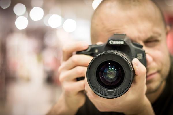 Na internet você encontra vários cursos gratuitos de fotografia.