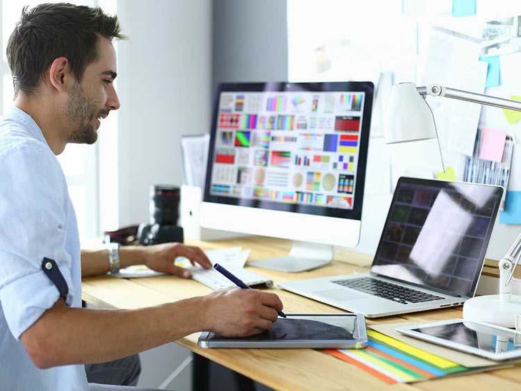 Yandex.Practicum começou a treinar na área de Internet marketing e designer de interface