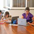 EAD tem levado mães de alunos da rede particular à exaustão - Jornal de Piracicaba