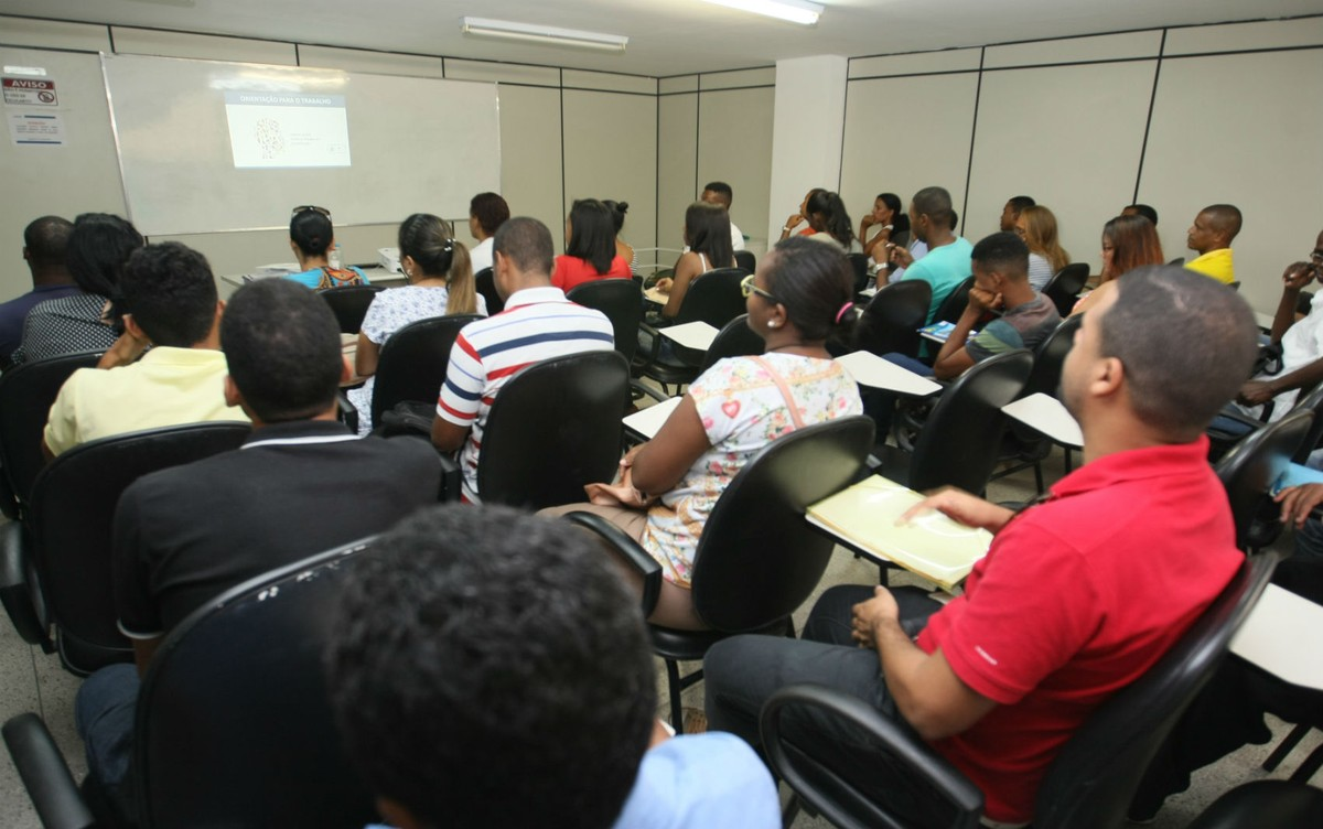 Abertas inscrições para mais de 2,2 mil vagas para atuar nas obras do VLT de Salvador; veja como se cadastrar | Bahia
